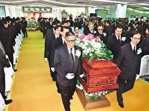 他去世的時候,來的何止是半個香港娛樂圈
